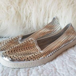 🧡3/$20 Avon Size 8 Silver Shine Flats New!